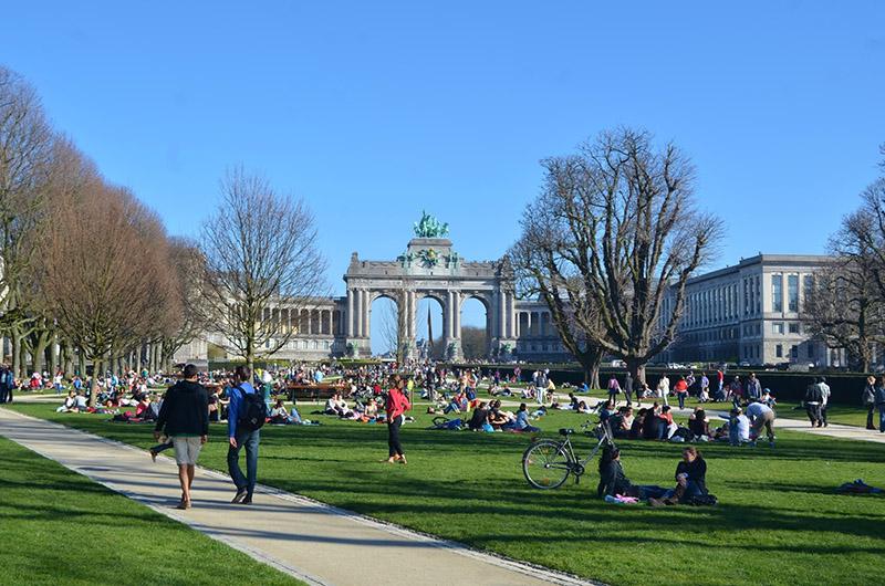 Parc du Cinquantenaire y barrio de la UE, Bruselas, Bélgica