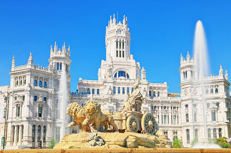 Antiguo palacio de Comunicaciones, hoy de Cibeles, Madrid, España