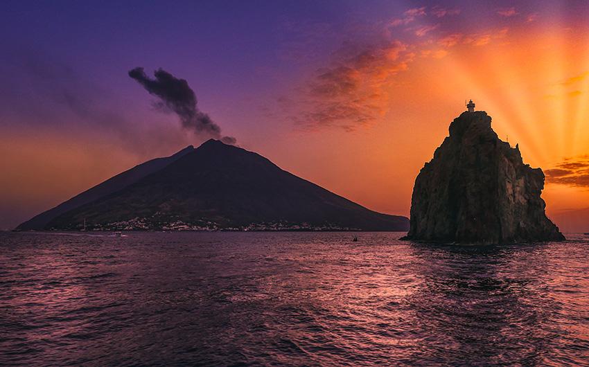 Estrómboli y Strombolicchio, Islas Eolias, Italia