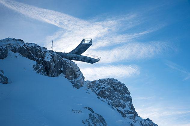 Vistas espectaculares del mirador AlpspiX, Garmisch-Partenkirchen, Alemania