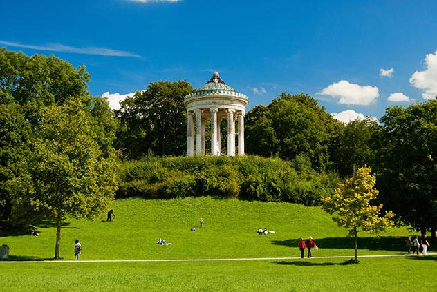 Alemania: el monumento Monopterus, en el Jardín Inglés de Múnich