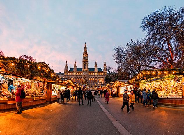 Europa en invierno: mercado navideño de Viena, Austria