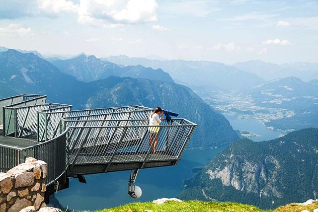 Vistas espectaculares desde el mirador Five Fingers, Austria