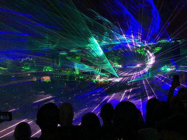 Dejarse llevar por sonidos electrónicos que trasportan a otro mundo en Tomorrowland, Boom, Bélgica