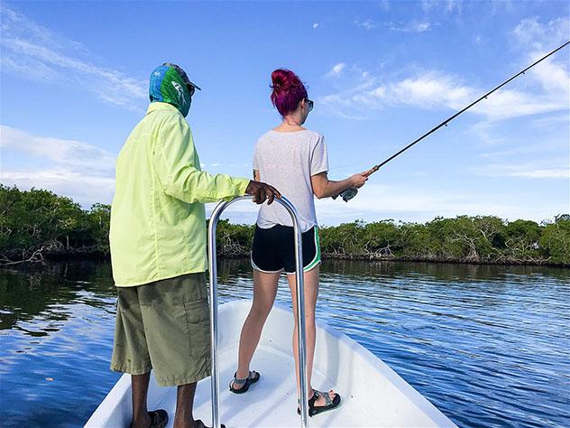 Belice y la cultura local: pesca con guía local