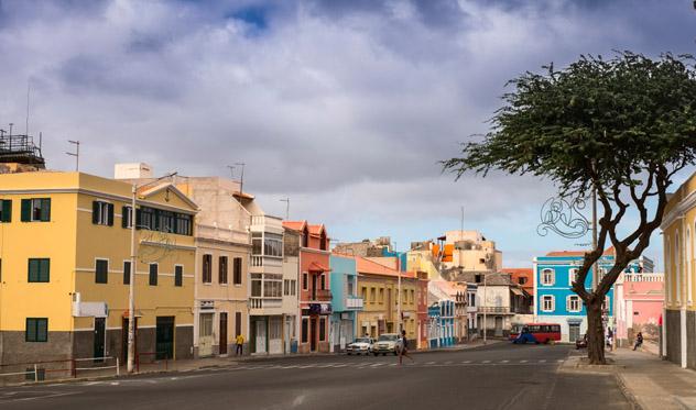 Mindelo, capital de isla de São Vicente, Cabo Verde © MikhailBerkut / Shutterstock
