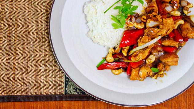 Arroz con pollo, Camboya © ijamescolcol / Shutterstcok