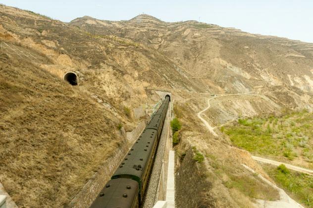 Tren en Xinjian, Ruta de la Seda, China © C. Na Songkhla / Shutterstock