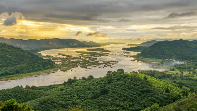 Crucero, río Mekong, Tailandia © jakkreethampitakkull / Getty Images