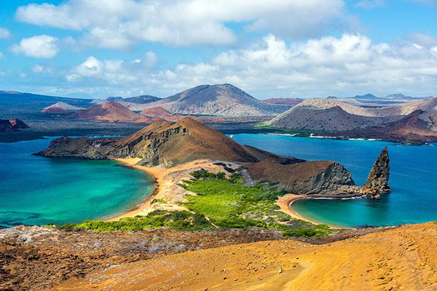 Dos playas de Isla Bartolomé, en las Islas Galápagos, Ecuador © DC_Colombia / Getty Images