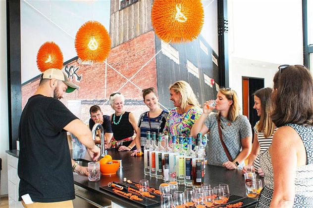 Una cata de brandy en Copper & Kings, Louisville, Kentucky, costa este, EE UU © Go to Louisville