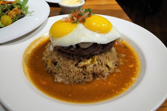 'Loco moco', gastronomía de Hawái, EE UU © Cyndi58 / Shutterstock