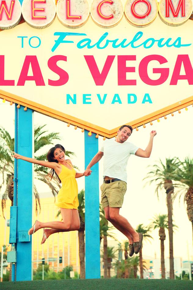 Enamorados en Strip, Las Vegas, EE UU © Maridav / Shutterstock