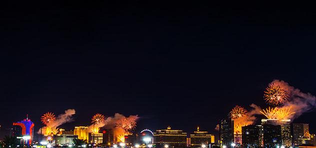 Fin de Año en Las Vegas, fuegos artificales en el Strip