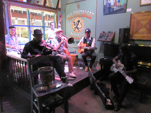 The Spotted Cat Music Club, Faubourg Marigny, Nueva Orleans, EE UU © Infrogmation of New Orleans / Flickr