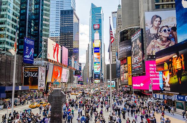 Times Square, en Nueva York: el otro lugar donde se encuentran los países del mundo, costa este de EE UU © Marco Rubino / Shutterstock
