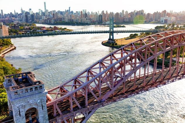 Hell Gate Bridge, Nueva York, Estados Unidos © TierneyMJ / Shutterstock