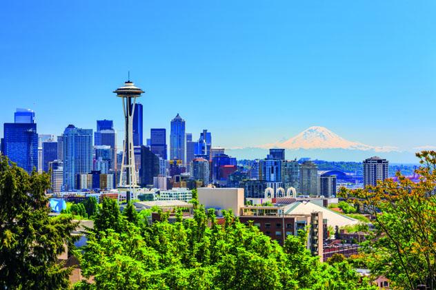 La Space Needle, de 1962, en el perfil urbano de Seattle, costa oeste, EE UU © emperoroscar / Shutterstock