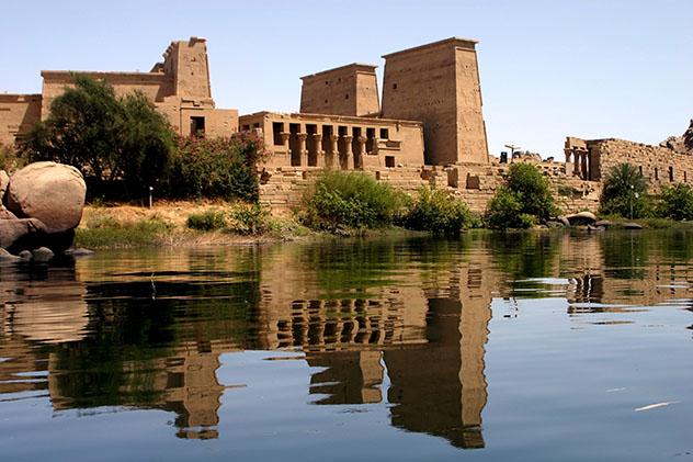 A los exploradores victorianos les encantaba pintar este ángulo de Filae, desde las aguas del Nilo, Egipto © jsanchez_bcn / Getty Images