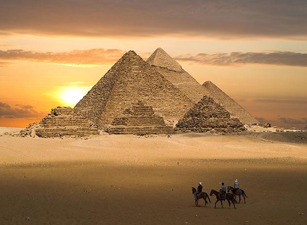 Pirámides de Gizeh,El Cairo. Egipto