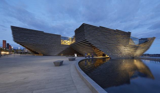 El nuevo V&A de Dundee es una espectacular incorporación al perfil urbano de la ciudad, Dundee, Escocia © Hufton Crow - www.vandadundee.org