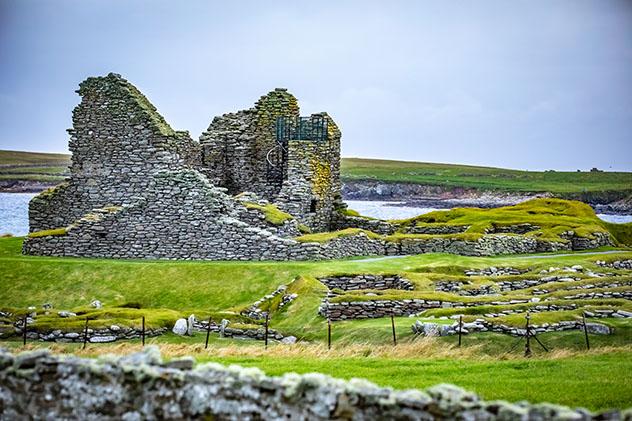 El magnífico y misterioso Jarlshof deleita a los historiadores, Shetland, Escocia © Marcin Kadziolka / Shutterstock