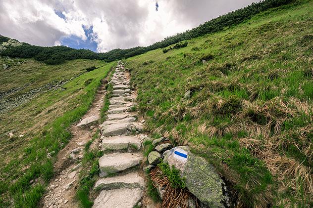 La Tatranská Magistrala, una larga ruta excursionista del Alto Tatra, Eslovaquia © sashk0 / Shutterstock