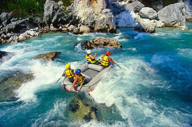 Eslovenia: 'rafting' en el río Soca, Parque Nacional Triglav