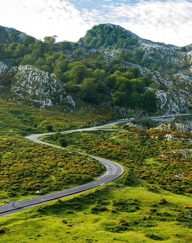 Carretera por los Picos de Europa, Asturias, España
