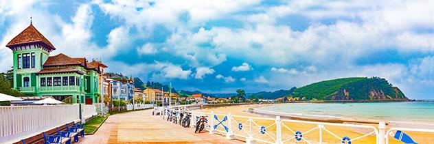 Paseo marítimo de Ribadesella, Asturias, España