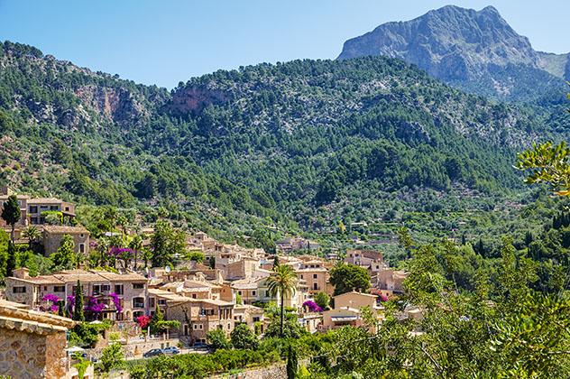 Fornalutx, Mallorca, pueblo del interior de las Baleares, España