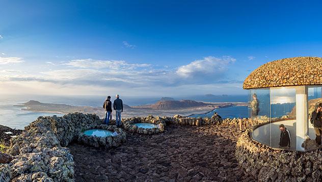 Vistas espectaculares desde el Mirador del Río, Lanzarote, Canarias, España