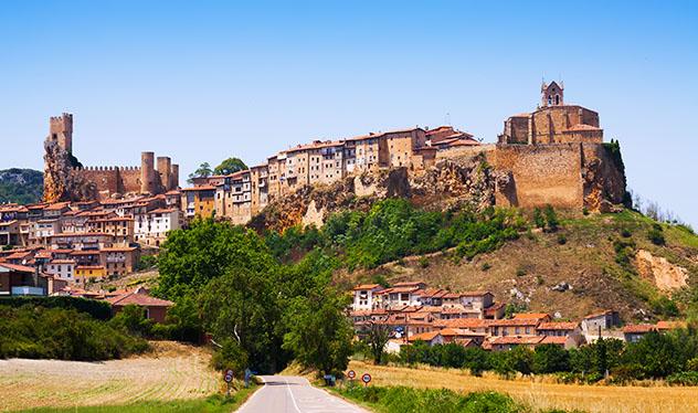 Frías, Burgos, pueblo del interior de Castilla y León, España