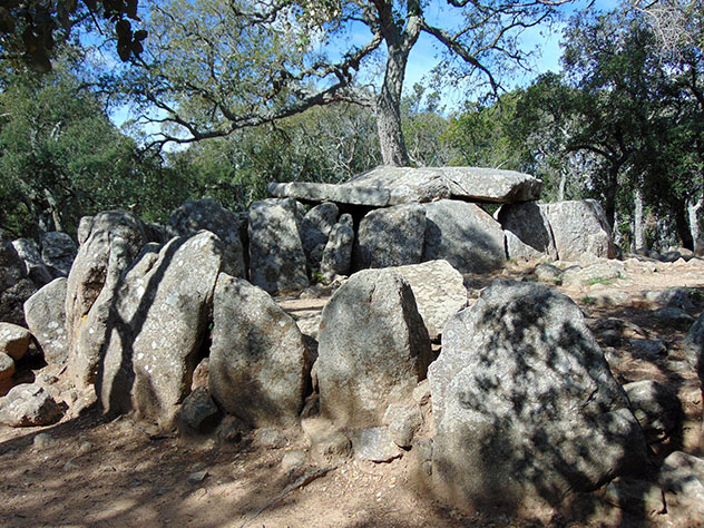 Cova d'en Daina, Romanyà de la Selva, ruta por la Costa Brava, Cataluña por carretera