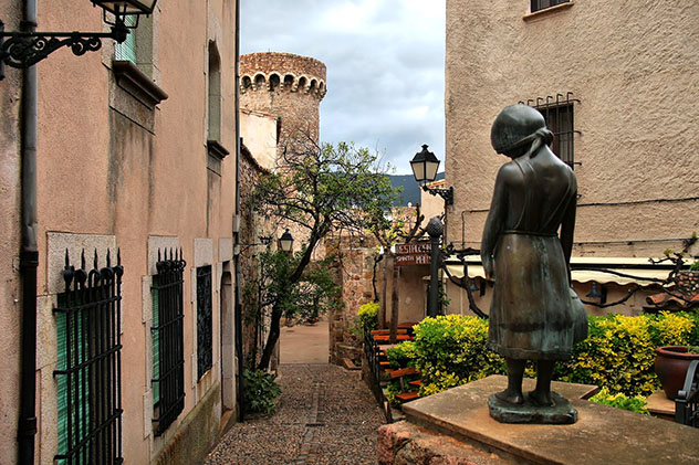 Vila Vella de Tossa de Mar, ruta por la Costa Brava, Cataluña por carretera