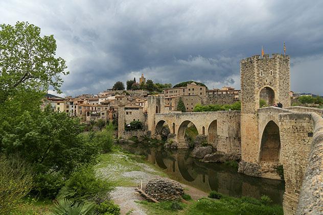 Besalú, Girona, pueblo del interior de Cataluña, España