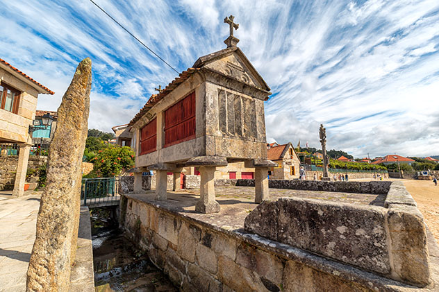 Combarro, pueblo de costa de Pontevedra, Galicia, España