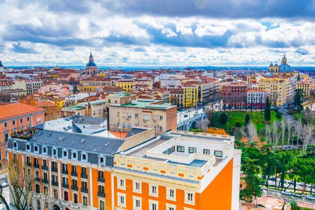 Terrazas, Madrid, España © trabantos / Shutterstock