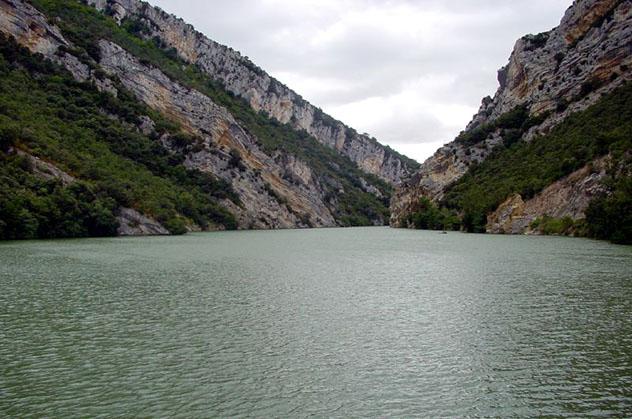 Embalse de Sobrón, Álava, País Vasco, España por carretera