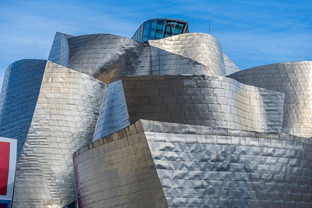 Museo Guggenheim Bilbao, España por carretera