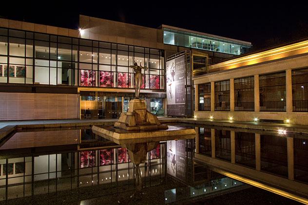 Museo de Bellas Artes, parte nueva de Bilbao, País Vasco, España © Alberto Torres Alves / 500px