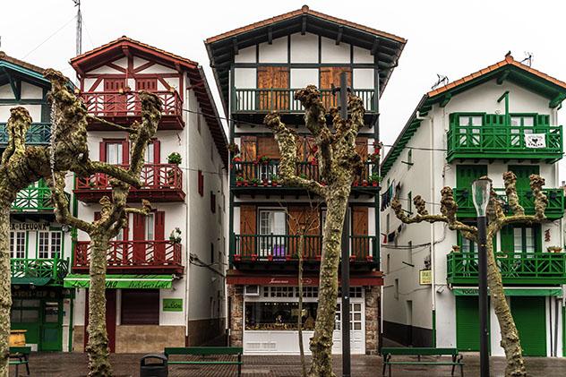 Hondarribia, pueblo de costa de Guipuzkoa, País Vasco, España