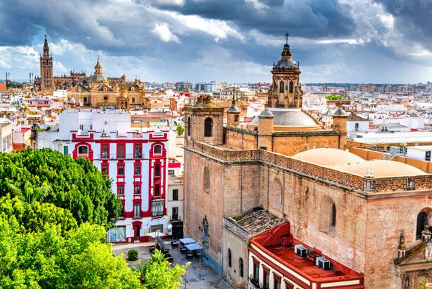 Plaza del Salvador, Sevilla, Andalucía, España © cge2010 / Shutterstock
