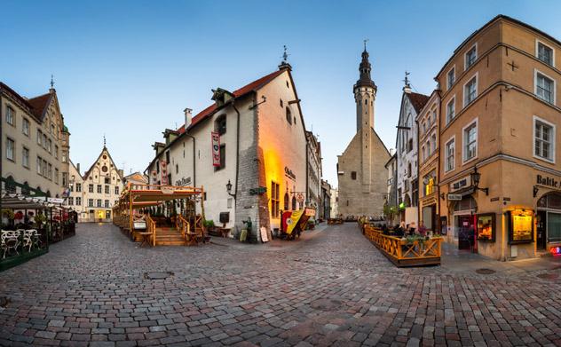 Casco antiguo medieval, Tallin, Estonia © anshar / Shutterstock
