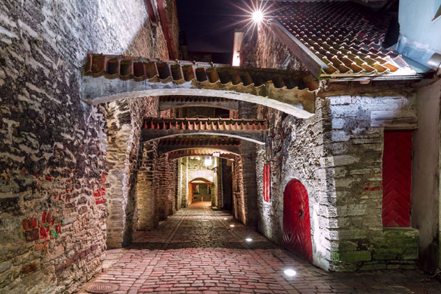 Casco antiguo medieval, Tallin, Estonia © kavalenkava / Shutterstock
