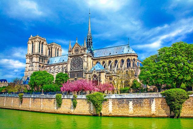 Nôtre Dame, París, Francia © eli asenova / Getty Images