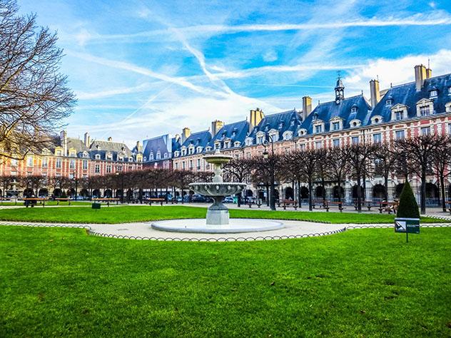 Place des Vosges, París, Francia