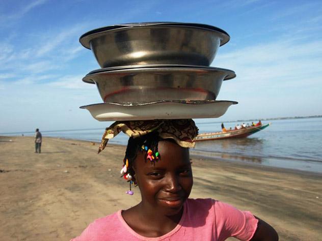 Costa Banjul, Gambia © Ignacio Alvarez Neches /Lonely Planet