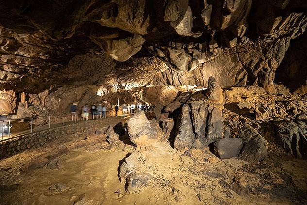 Disfrutar de la música en la cueva de Baradla, una sala de conciertos impresionante enAggtelek,Hungría