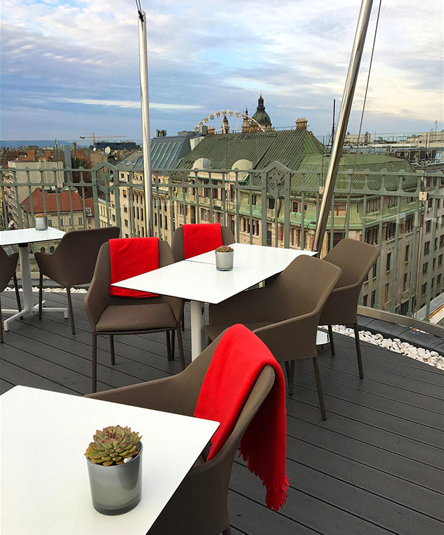 Vistas de Budapest desde el bar de azotea St Andrea Wine & Sky Bar